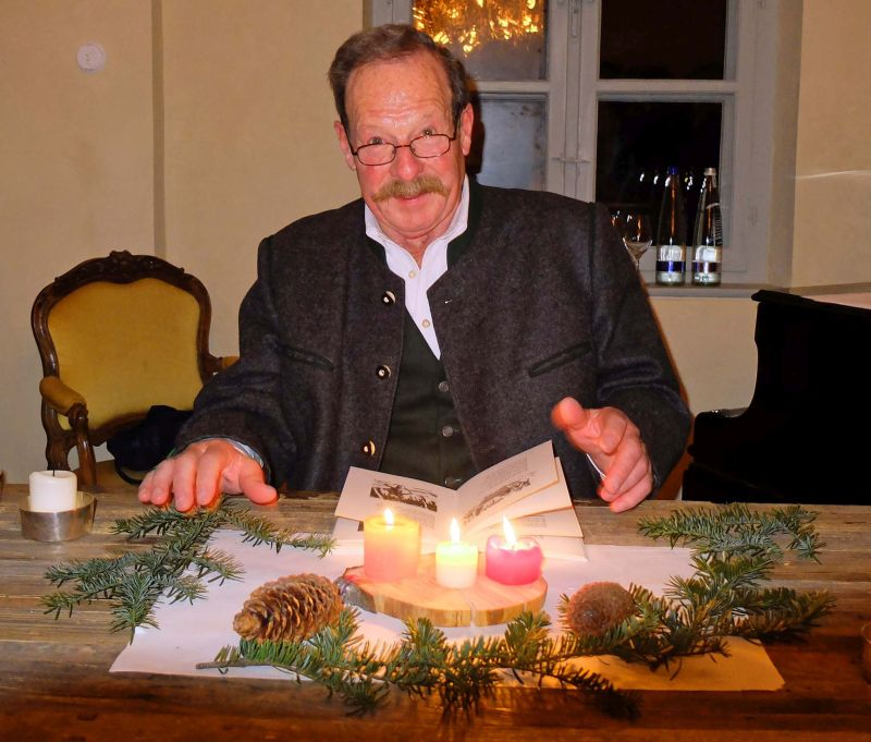Toni Wackersberger liest Ludwig Thoma im Westerhof-Café im Stielerhaus