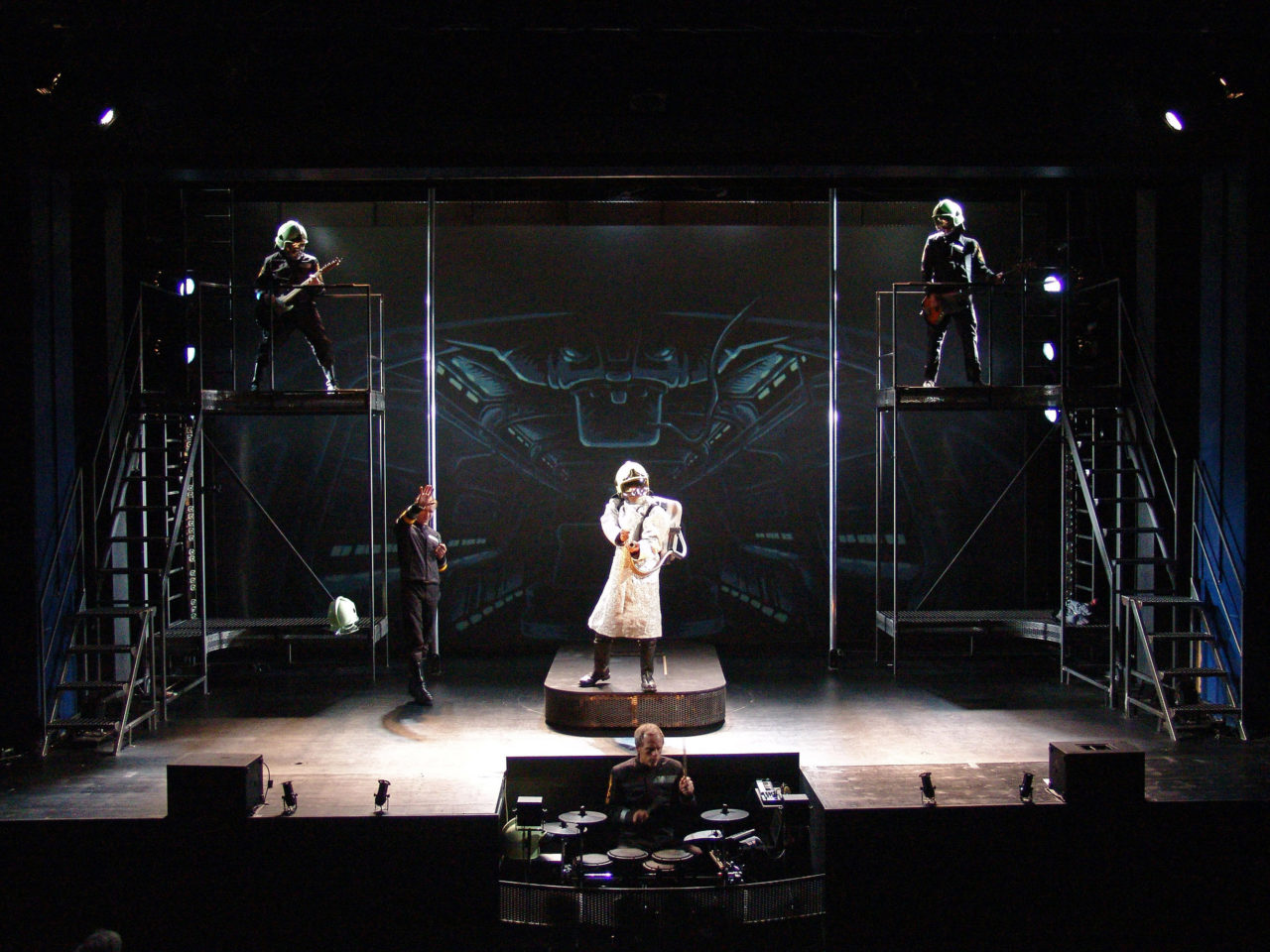 Fahrenheit 451 auf der Bühne der SchauBurg - mit Live Musik von den Bananafishbones