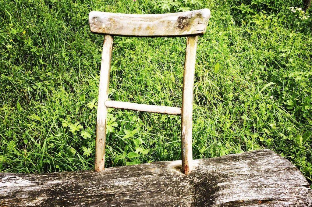 Der Stuhl vorm Atelier_Tannerhof_2016_web