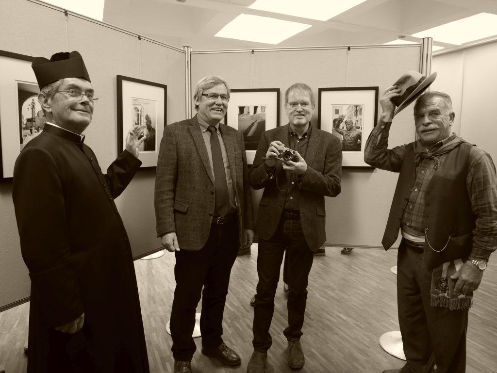 Abdon Boni (Don Camillo), 2. Bürgermeister Paul Fertl, Fotograf Thomas Schwob, Giulio Bersellini (Peppone)(v.l.).