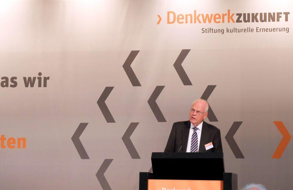 Meinhard Miegel im Podium Denkwerk Zukunft Berlin 2016