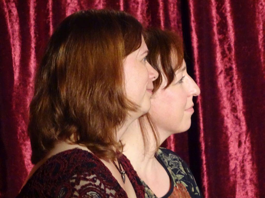 Die Sprecherwerker Barbara Greiner-Burkert und Karin Wedra