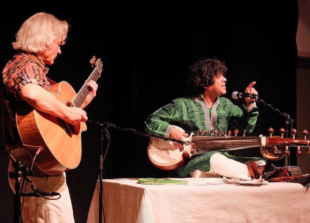 Seelenverwandte Reisende zwischen den Klangwelten: Wolfgang Netzer und Ranajit Sengupta