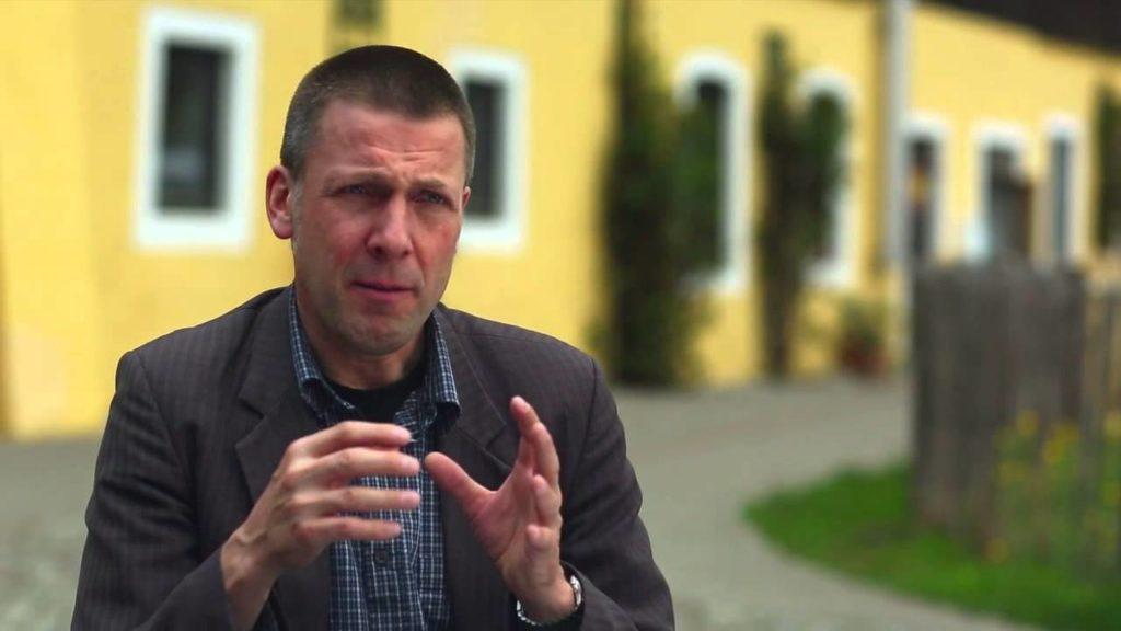 Niko Paech brachte in Deutschland 2006 den Begriff der Postwachstumsökonomie in die Diskussion