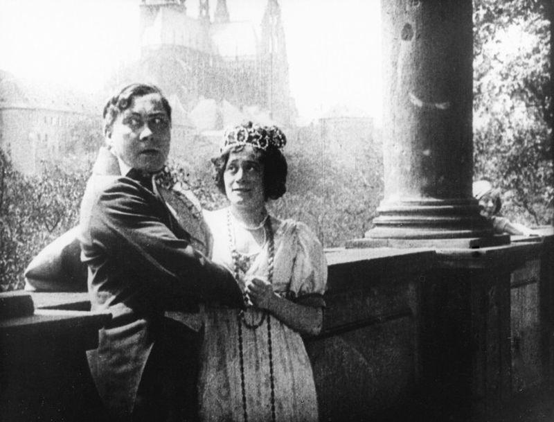 """Alexander Pointner begleitet live an der Orgel den Stummfilm """"Der Student von Prag"""""""