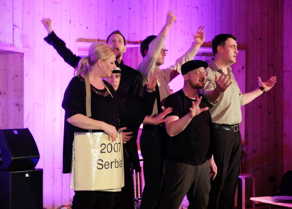 Cash-n-Go: Medley aus 60 Jahre Eurovision Song Contest