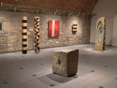 Ausstellungen können auch im Gewölbekeller im Waitzinger Keller Miesbach gezeigt werden