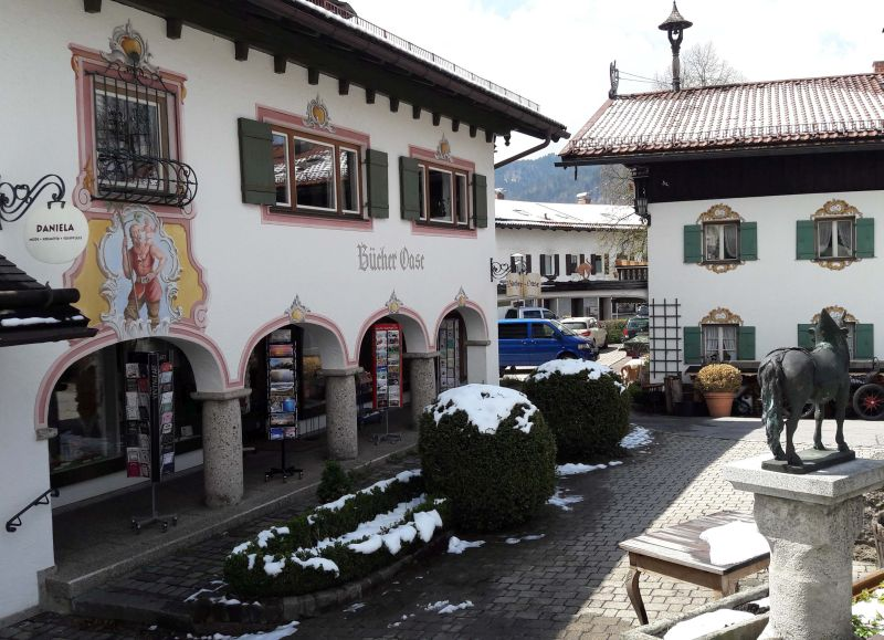 Die Bücher-Quelle im Herzen von Schliersee. Foto Hannah Miska