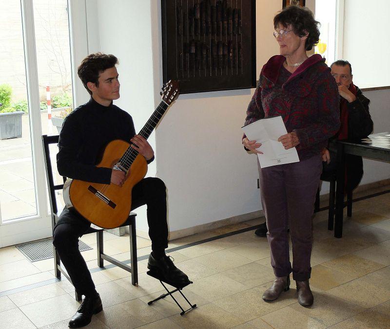 Gitarrenjungstar Benjamin Wittmann und Künstlerin Nele von Mengershausen