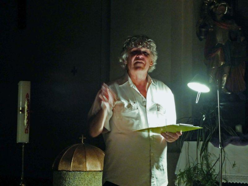 Haini Staudinger liest in der Kirche zu Langegg