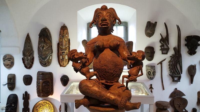 Blick ins Museum Humanum in Fratres - Initiator: Peter Coreth, Kulturbrücke Fratres