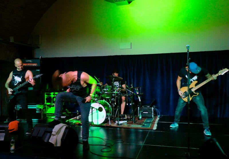 Child on Fire mit Kick Ass Metal - Vinzenz Semmler gibt einheimischen Bands eine Plattform