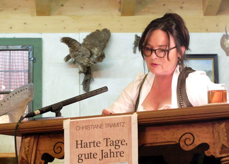 Christiane Tramitz liest.