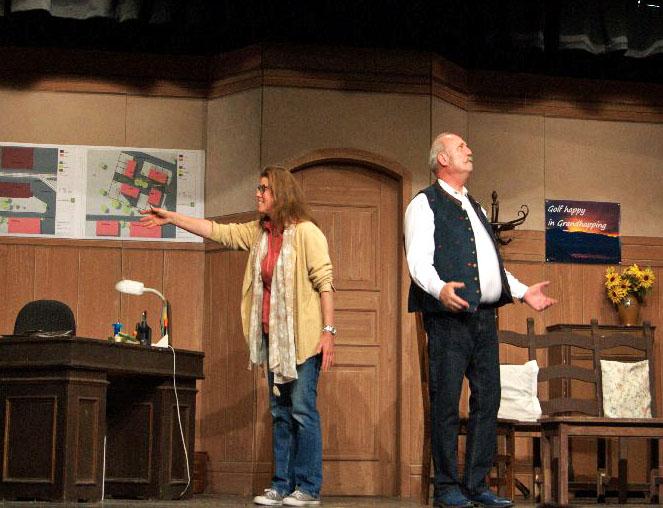 Bild 2: Ausdrucksstark: Christina Kern und Hanno Sollacher beim Tegernseer Volkstheater