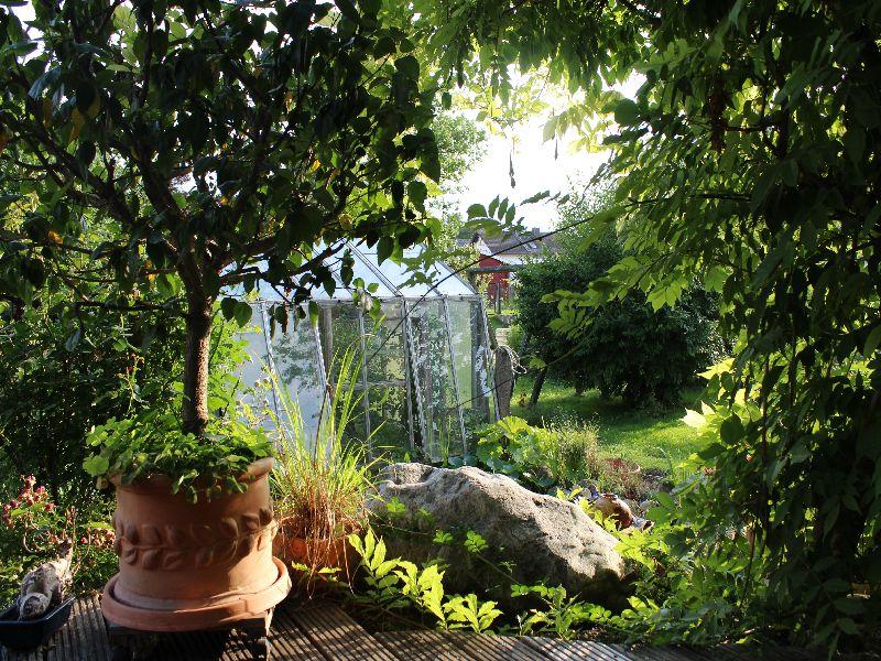 Blick aus dem Ökohaus in den Garten - Ökohaus Miesbach