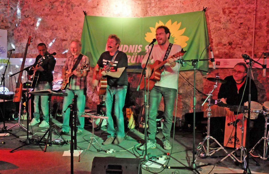 Band Afasia spielt zur Preisverleihung des Grünen Wanninger