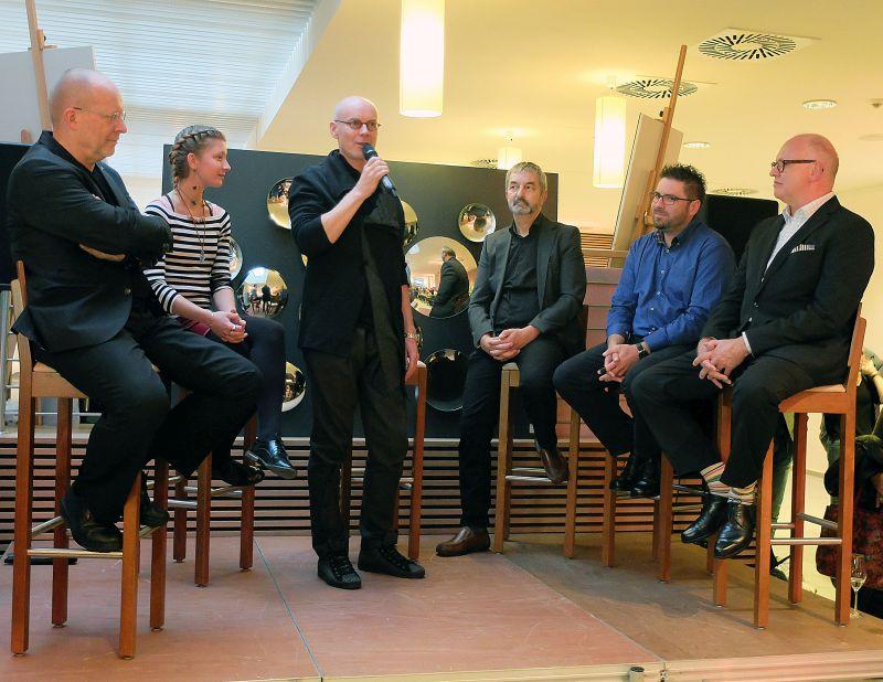 Schlierseer Kulturherbst: Helmut Nindl, Patricia Mund, Dirk Mollenhauer, Peter Waldhart, Robert Freund, Günter Malchow (v.l.) beim Eröffnungs-Podium
