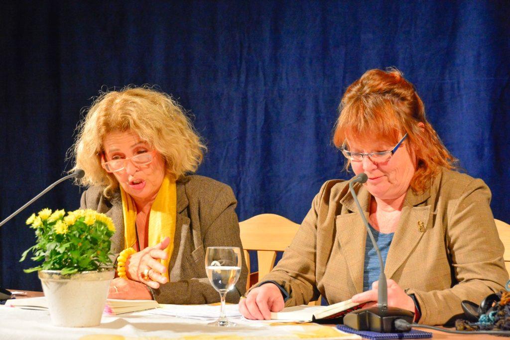 Michaela May und Nicola Förg bei der Lesung