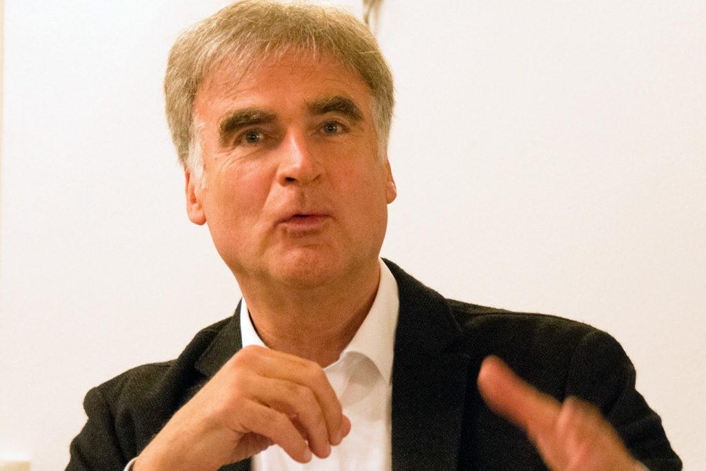 10. Reithamer Gespräche - Holzkirchens Bürgermeister Olaf von Löwis of Menar im Podium