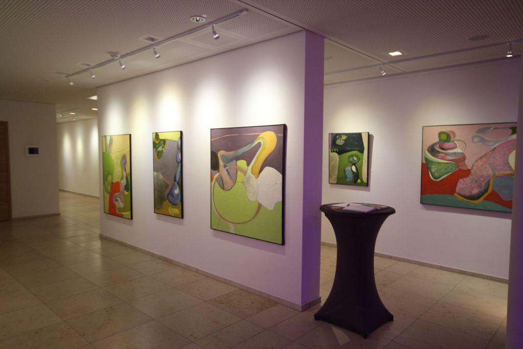Blick in die Ausstellung Andreas Thieme in DAS TEGERNSEE