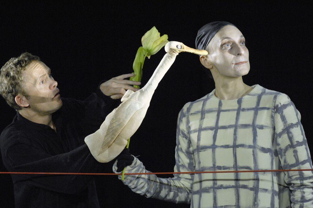 """Foolsthater - """"Ente, Tod und Tulpe"""" - Heiki Ikkola und Martina Couturier."""
