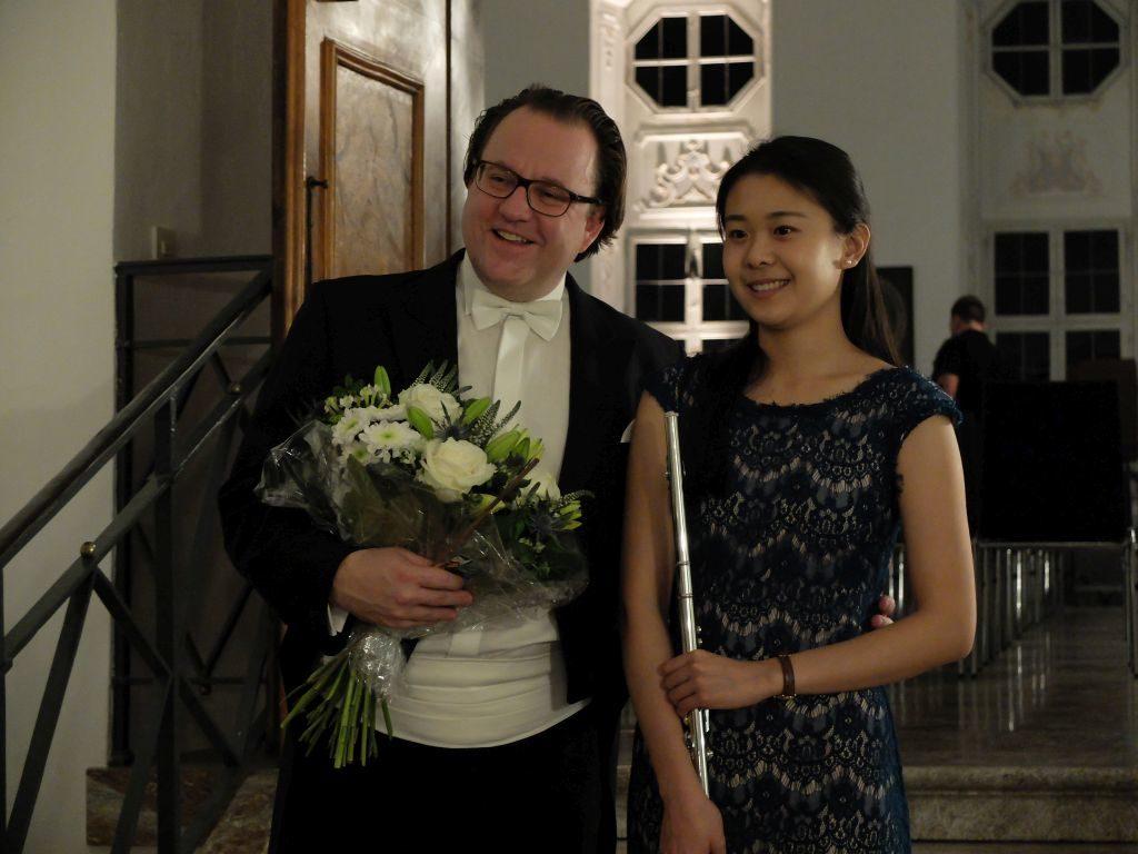 Kammerphilharmonie Dacapo - Chefdirigent Franz Schottky und Solistin Yu-ting Huang