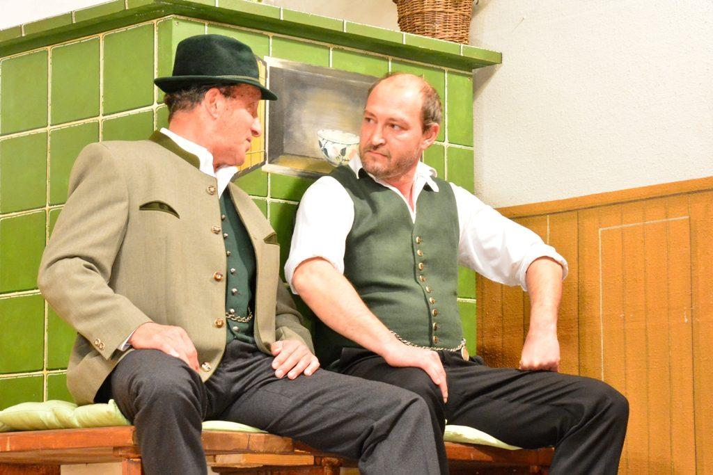 Theaterbühne Warngau - Balthes (Franz Spiegler) und sein Bruder Georg Lenz (Marcus Huber)