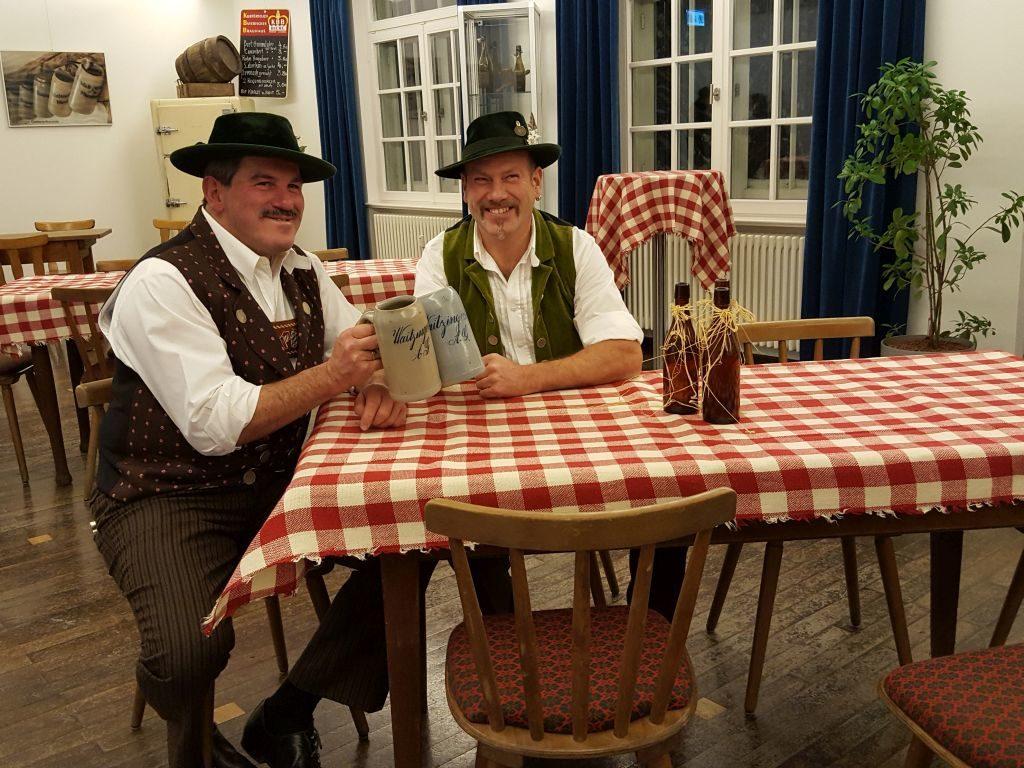 Waitzinger Sammlerfreunde: Robert Schlienz (links) und Bertl Moser
