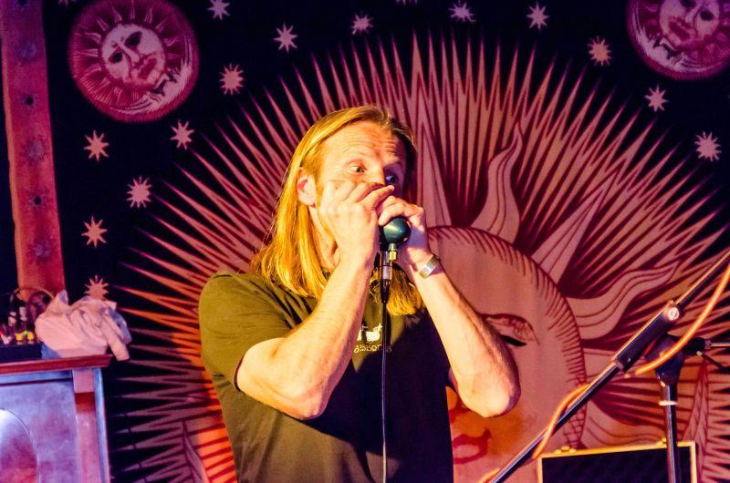 Ferdl Eichner Bluesharp beim Konzert in der Weyhalla, Weyarn