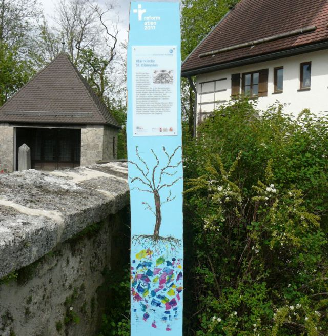 Miesbach Reformation - Stele in Neukirchen. Foto: Lautenbacher