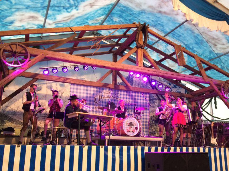 The Heimatdamisch - super Stimmung auf der Bühne und im Festzelt