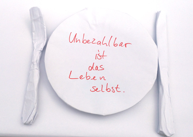 "Papiertheater Johannes Volkmann: Installation ""unbezahlbar"" beim ARTcycling festival 2017 im Kultur im Oberbräu Holzkirchen"