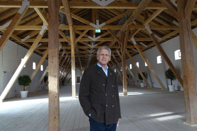 Dieter Nonhoff in der Tenne von Gut Kaltenbrunn, Gmund