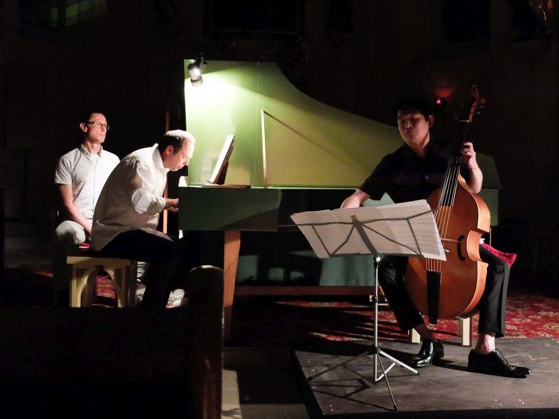 Emanuel Schmelzer-Ziringer am Cembalo, Kunikiro Mimura an der Viola da gamba. Foto: Ines Wagner