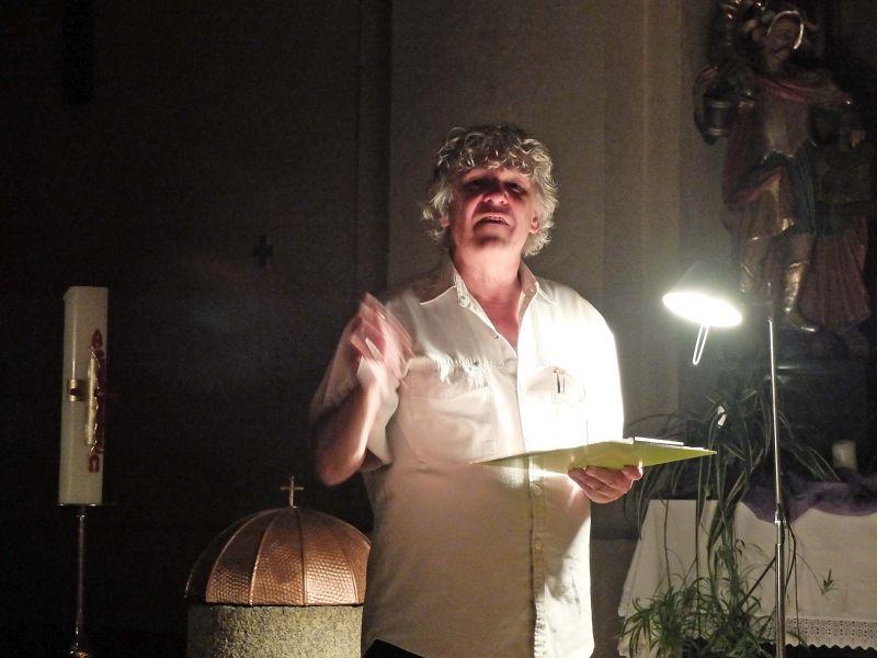 Heini Staudinger liest Texte spiritueller Meister. Foto: Ines Wager