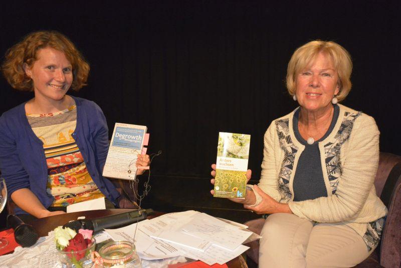 Degrowth - Gespräch Monika Ziegler und Nina Treu mit dem Buch und den neuen Broschüren