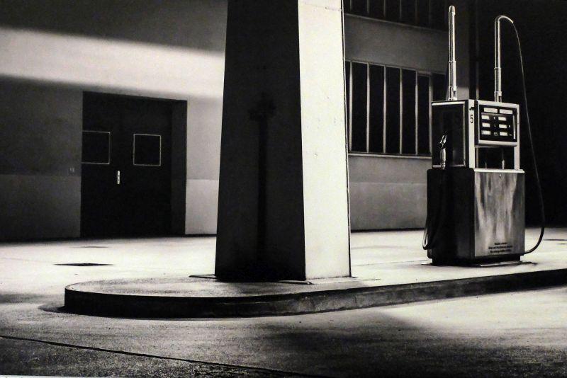 Lichtbild Festival: Foto: Denis Bald: Gas Station At Night