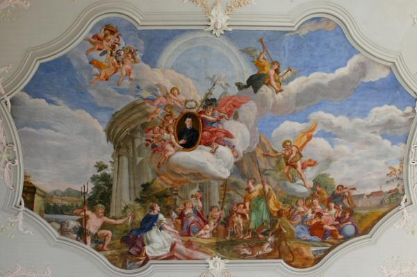 Auch die Decke im Barocksaal Tegernsee lädt zum Verweilen ein. - Konzert ARD Preisträger