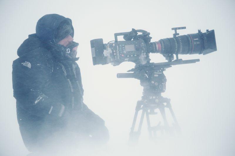 Wildlife Kameramann Rolf Steinmann in der Kälte der Arktis - bei den Moschusochsen