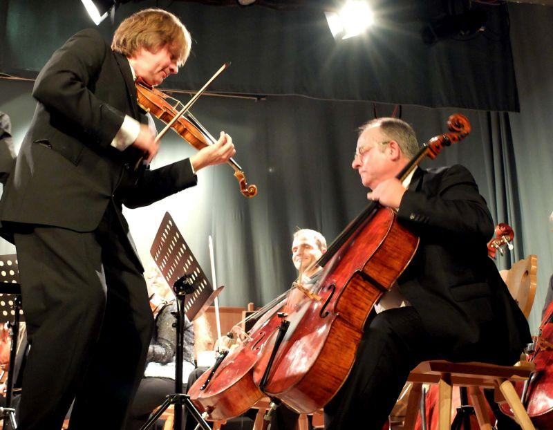 Wolfgang Hentrich spielt immer wieder gern mit dem Orchester des Schlierseer Kulturherbstes