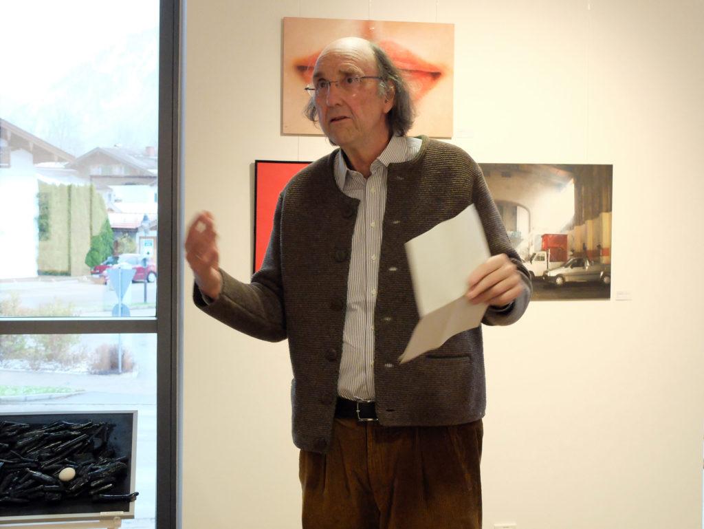 Günter Unbescheid eröffnet die Ausstellung der Gruppe Delta im Seeforum