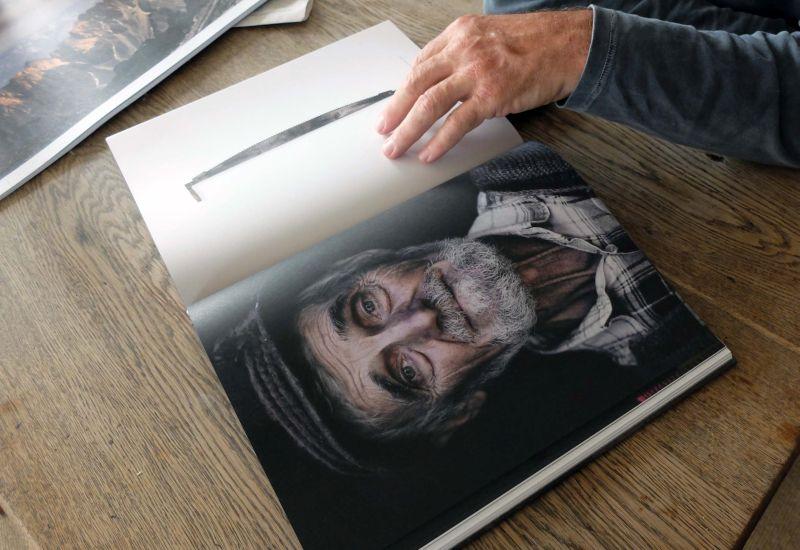 eindrucksvolle Menschenproträts im Bergbildband von Uli Wiesmeier