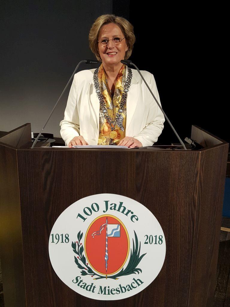Bürgermeisterin Ingrid Pongratz bei der traditionellen Neujahrsansprache im Waitzinger Keller in Miesbach. Foto: Isabella Krobisch