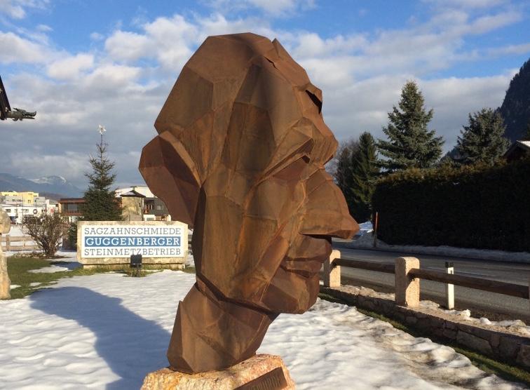 """Markus Thurner: """"Altwürde"""", Bronzeplastik, Kunstpreis Imst"""
