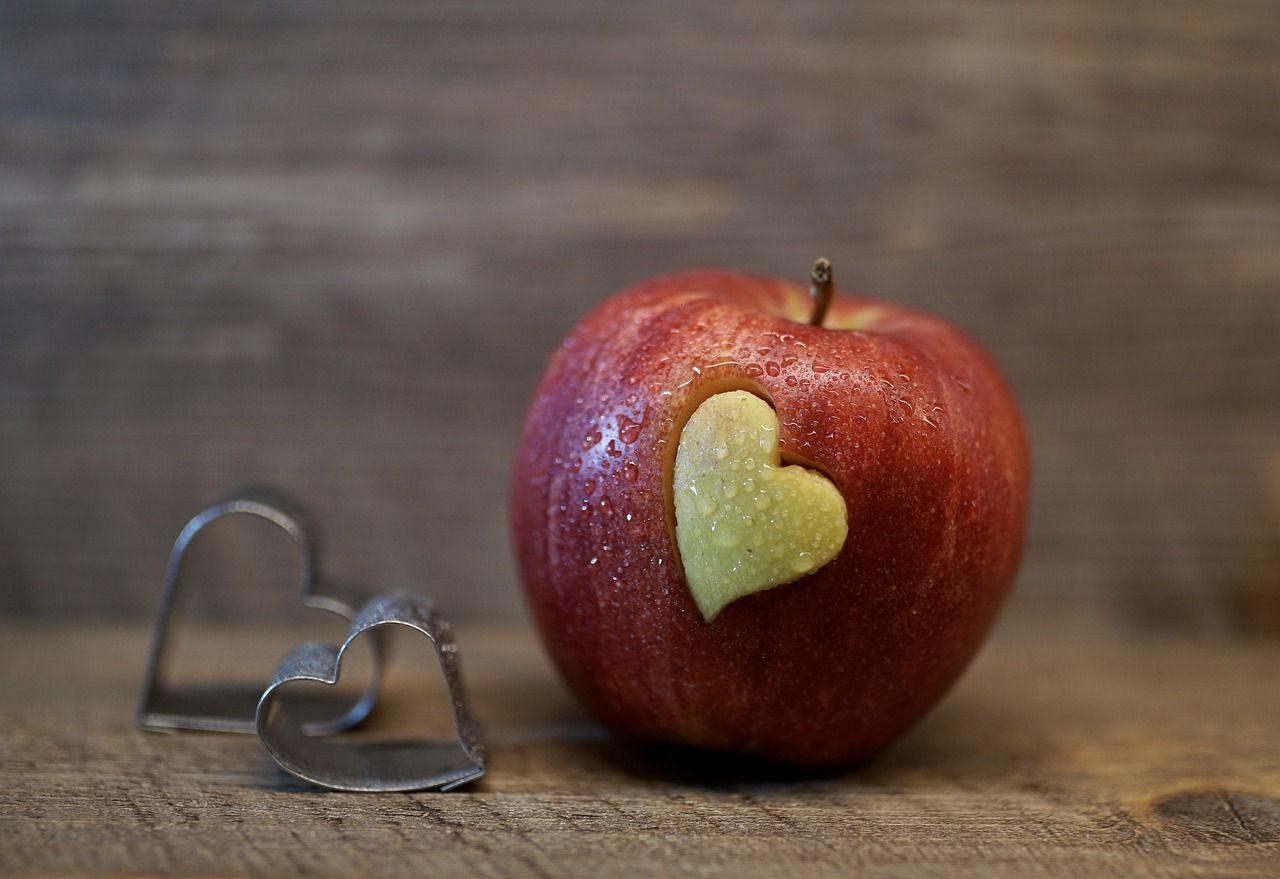 Lebensmittel lieben - und retten: Apfel mit Herz