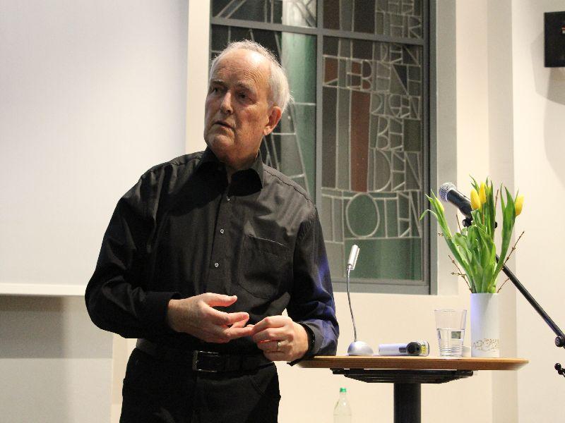 Gerhart Herold beantwortet Fragen aus dem Publikum