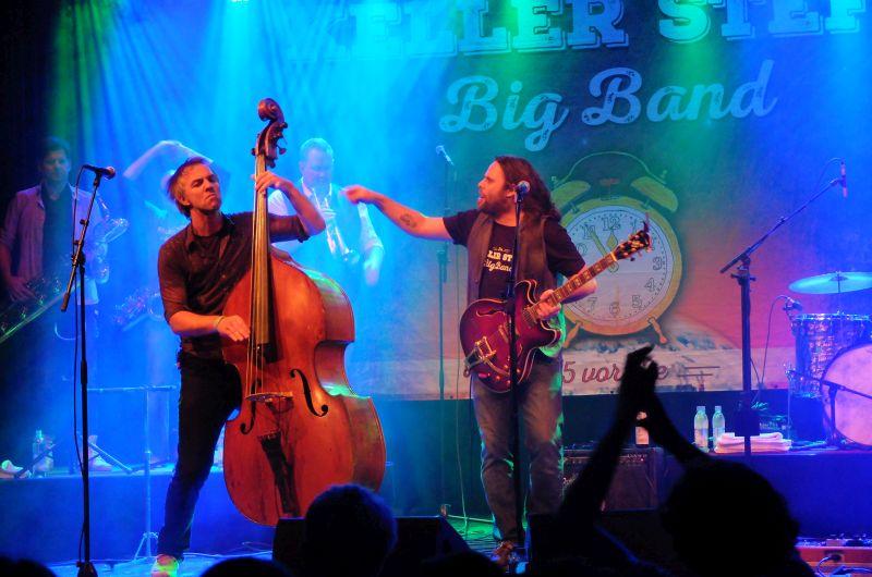 Keller Steff Big Band: Kontrabassist Gerhart Zimmermann und der Keller Steff
