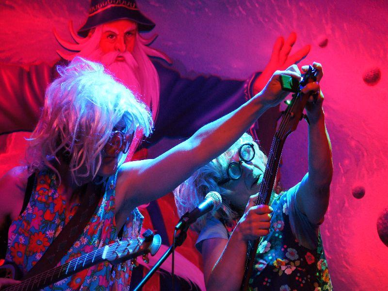 Wuide Hena Karin Michalke und Anni Reisberger in der WeyHalla in Weyarn.