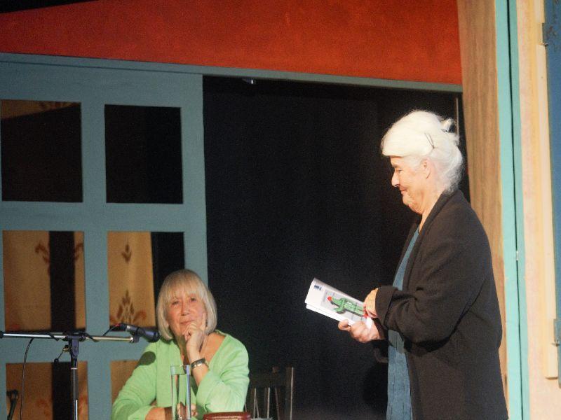 Judith Bernstein und Gertrud Zeckau im Foolstheater