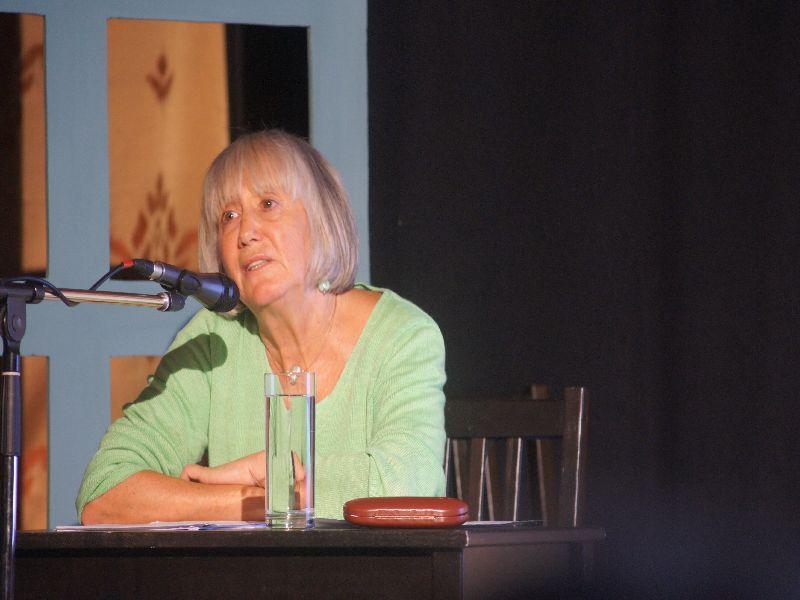 Judith Bernstein beantwortet Fragen aus dem Publikum